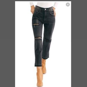 NWT WE THE FREE BLACK DISTRESSED JEANS